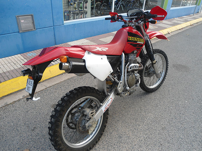 HONDA-XR-400-R-trasera