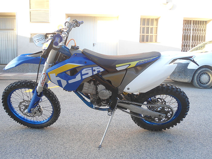 HUSABERG-FE-450-LATERAL2
